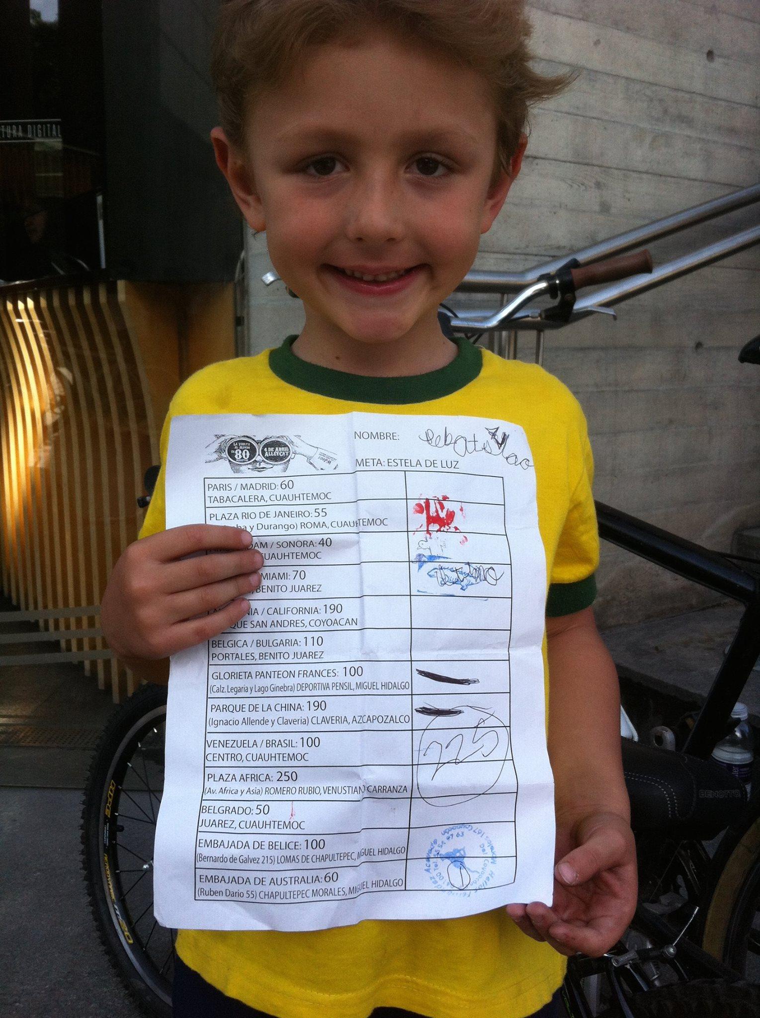 Bravo el pequeño Sebastian que corrió con su Papá y terminó con 225 puntos